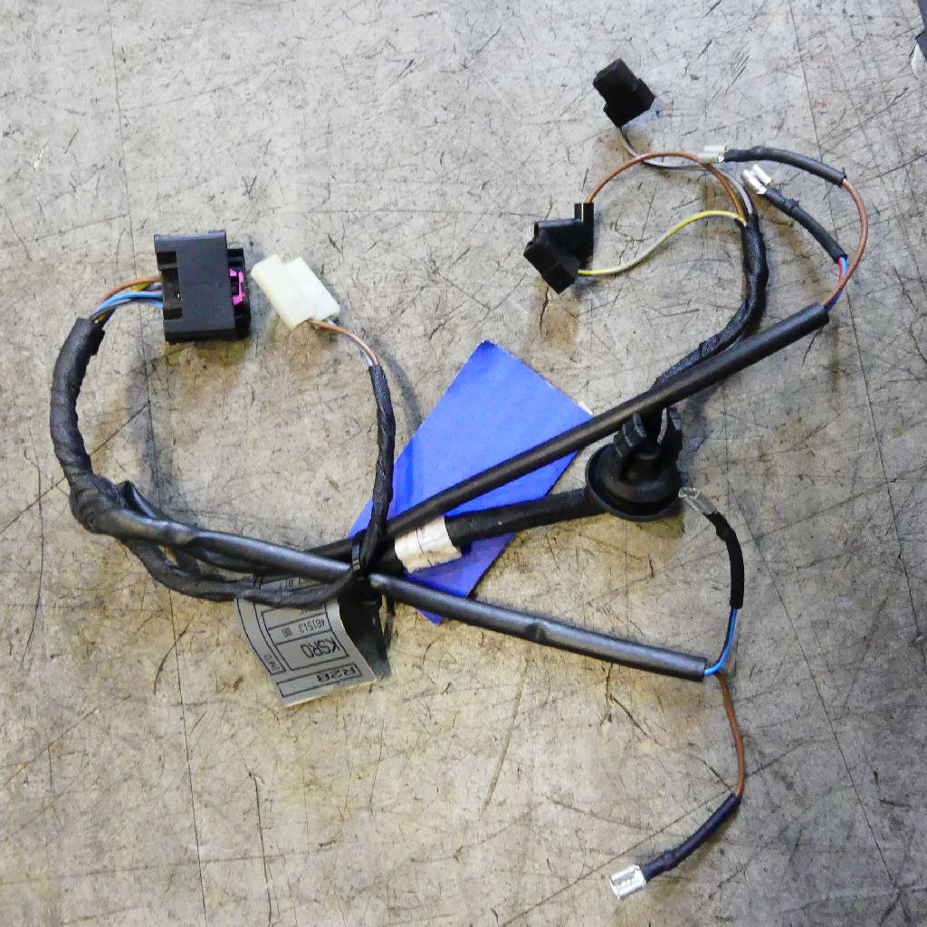 Bmw Tail Light Wiring Harness from www.bmwsalvage.de